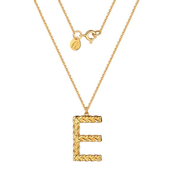 Буква Е на позолоченной цепочке